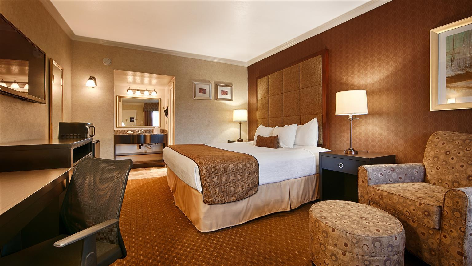 BEST WESTERN INNSUITES PHOENIX HOTEL & SUITES, PHOENIX ***